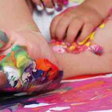 Baby-and-toddler-art-group-1364729447